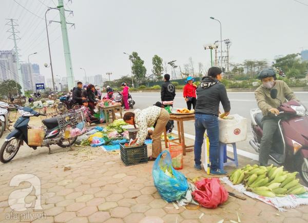 Hà Nội: Chung cư mọc đến đâu, chợ cóc đi theo đến đó - Ảnh 2.