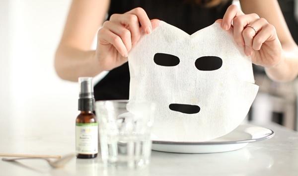2 lỗi to đùng mà nàng nào cũng mắc phải, khiến cho việc đắp lotion mask chẳng đem lại hiệu quả gì - Ảnh 3.