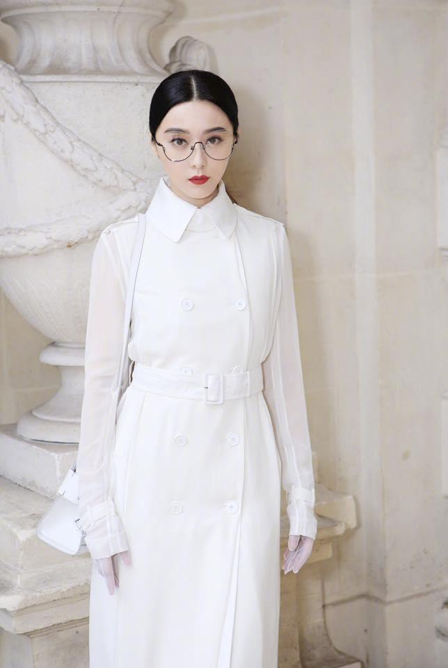 Phạm Băng Băng đẹp xuất sắc trong loạt ảnh không qua chỉnh sửa tại Paris Fashion Week - Ảnh 1.