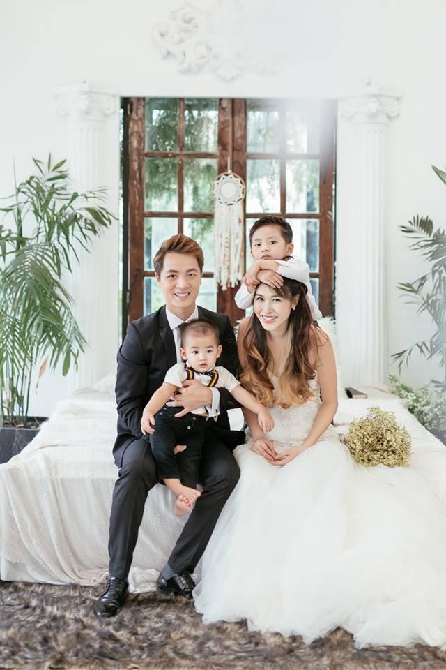 Thủy Anh - vợ ca sĩ Đăng Khôi, cựu hot girl đình đám một thời nay đã thành mẹ 2 con sang chảnh - Ảnh 3.