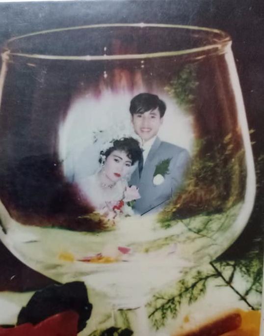 Đám cưới chất chơi thời bố mẹ anh thập niên 90: Pháo nổ râm ran, cả làng chạy theo cô dâu chú rể - Ảnh 12.