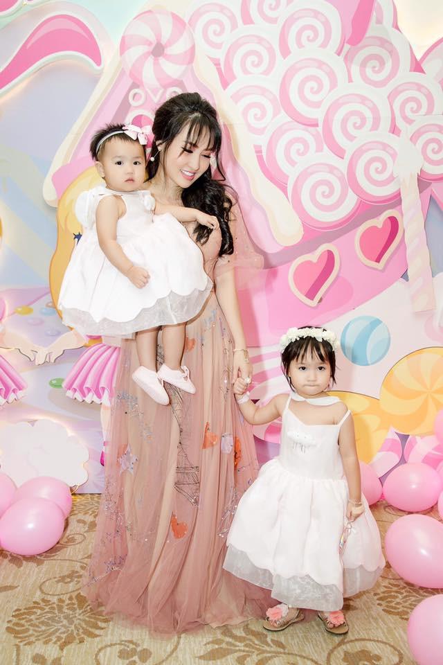 Đăng Thư - cựu hot girl Sài thành 10 năm trước nay đã là mẹ 2 con sành điệu, trẻ mãi không già - Ảnh 9.