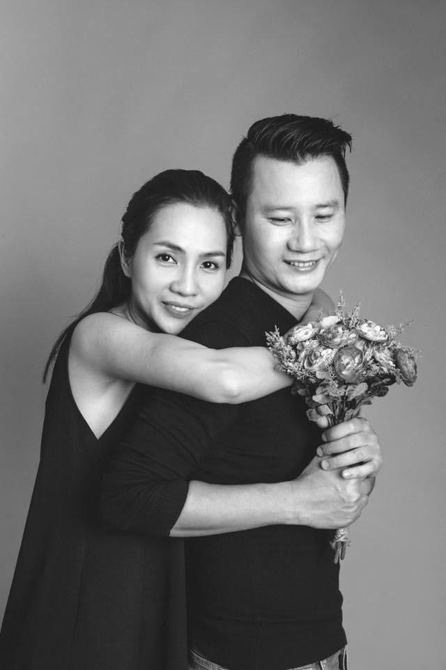 Những người vợ vừa giàu vừa giỏi đứng sau ánh hào quang của các nam nghệ sĩ Việt - Ảnh 1.