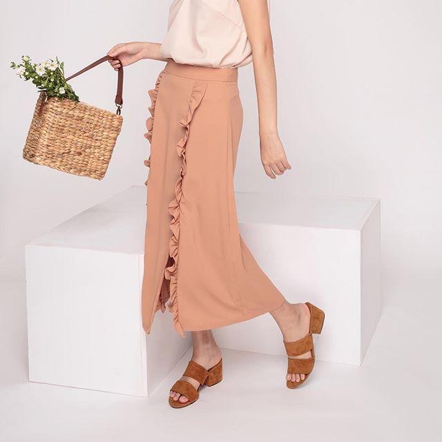 Nàng điệu đà đừng bỏ qua những mẫu chân váy giá dưới 500 ngàn đến từ các thương hiệu Việt này nhé! - Ảnh 4.