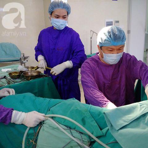 Bệnh viện E phẫu thuật cắt bỏ bộ phận sinh dục nam cho cô gái 24 tuổi - Ảnh 1.