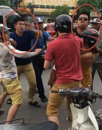 Hà Nội: Khởi tố hai người đánh một thanh niên nước ngoài cùng bạn gái sau va chạm giao thông - Ảnh 2.