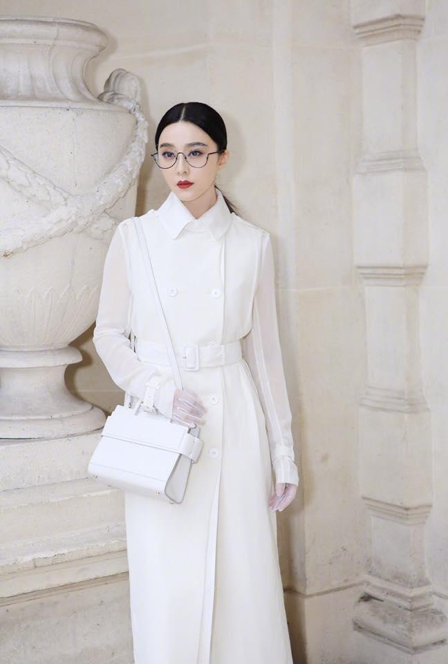 Phạm Băng Băng đẹp xuất sắc trong loạt ảnh không qua chỉnh sửa tại Paris Fashion Week - Ảnh 2.