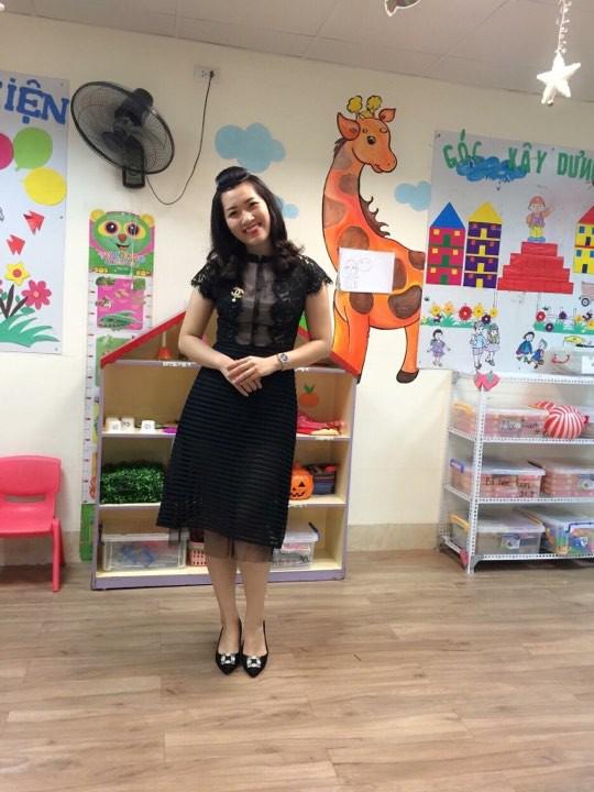 Cô giáo Hà Nội xinh đẹp dí dỏm kể kỷ niệm ngày đầu đi dạy: Khóc như mưa đòi hôm sau không đến trường - Ảnh 8.