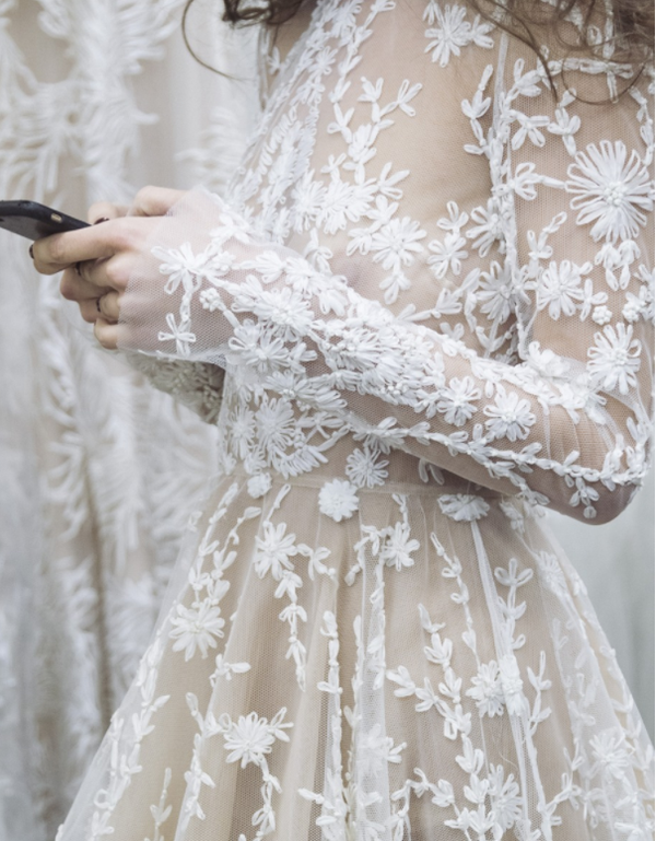 Muốn gây ấn tượng trong ngày trọng đại, các cô dâu đừng bỏ qua 7 mẫu váy này - Ảnh 16.