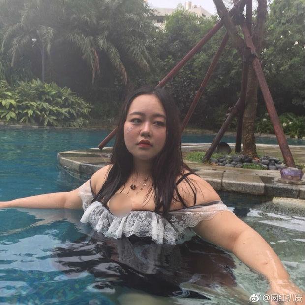 Bị tẩy chay sau khi lộ thân hình xồ xề bên bể bơi, hot girl quyết tâm giảm cân và quay trở lại với diện - Ảnh 1.