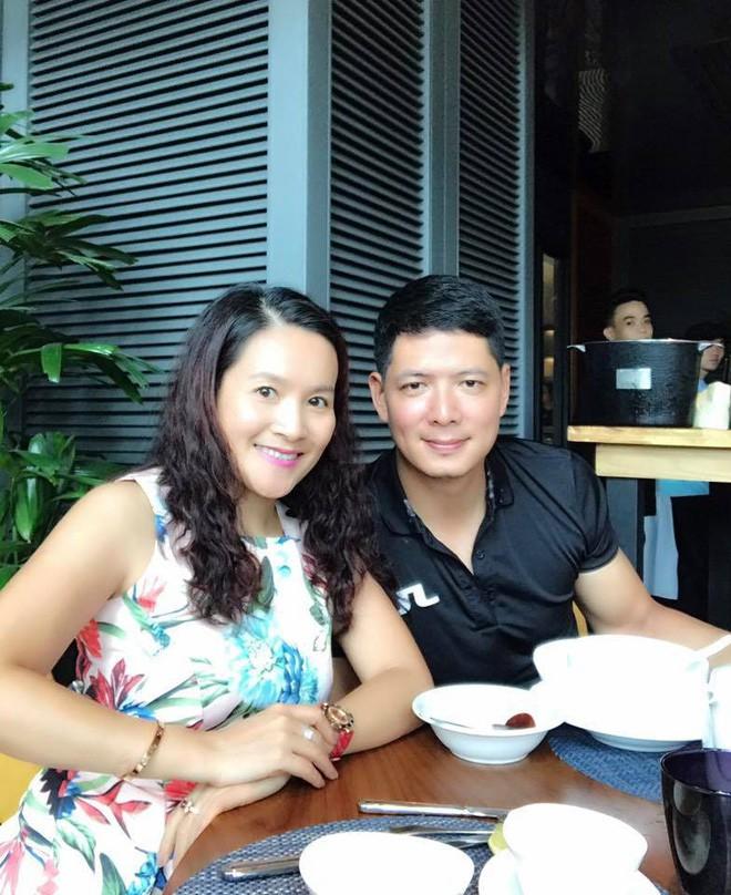 Những người vợ vừa giàu vừa giỏi đứng sau ánh hào quang của các nam nghệ sĩ Việt - Ảnh 12.