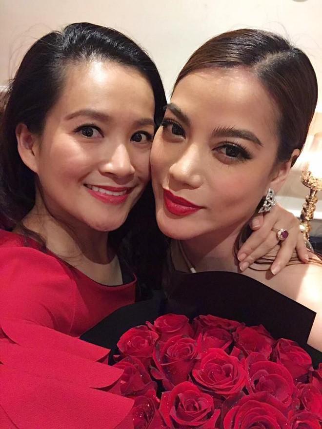 Những người vợ vừa giàu vừa giỏi đứng sau ánh hào quang của các nam nghệ sĩ Việt - Ảnh 16.