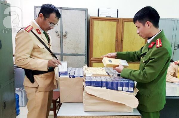 Bắt giữ 1,4 tấn nội tạng không rõ nguồn gốc và 1.000 bao thuốc lá lậu  - Ảnh 1.