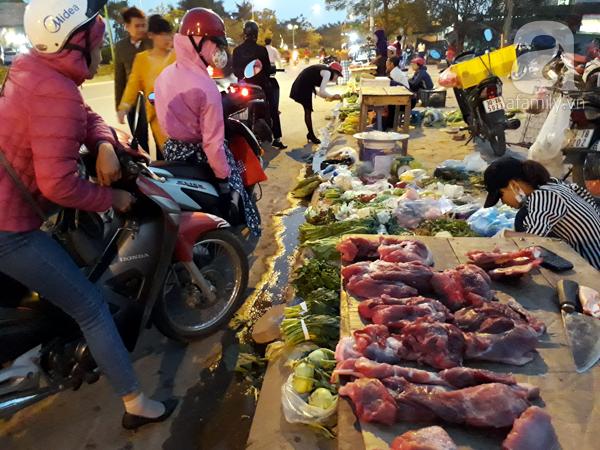 Hà Nội: Chung cư mọc đến đâu, chợ cóc đi theo đến đó - Ảnh 3.