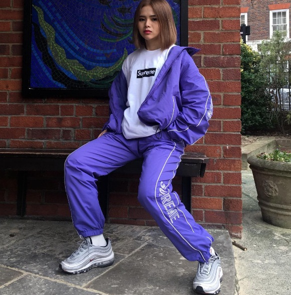 Mặt trái của lối sống ảo trên Instagram: Mỹ nữ chuyên xin tiền bố mẹ sắm áo quần hàng hiệu - Ảnh 5.