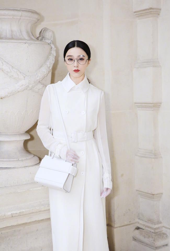 Phạm Băng Băng đẹp xuất sắc trong loạt ảnh không qua chỉnh sửa tại Paris Fashion Week - Ảnh 4.