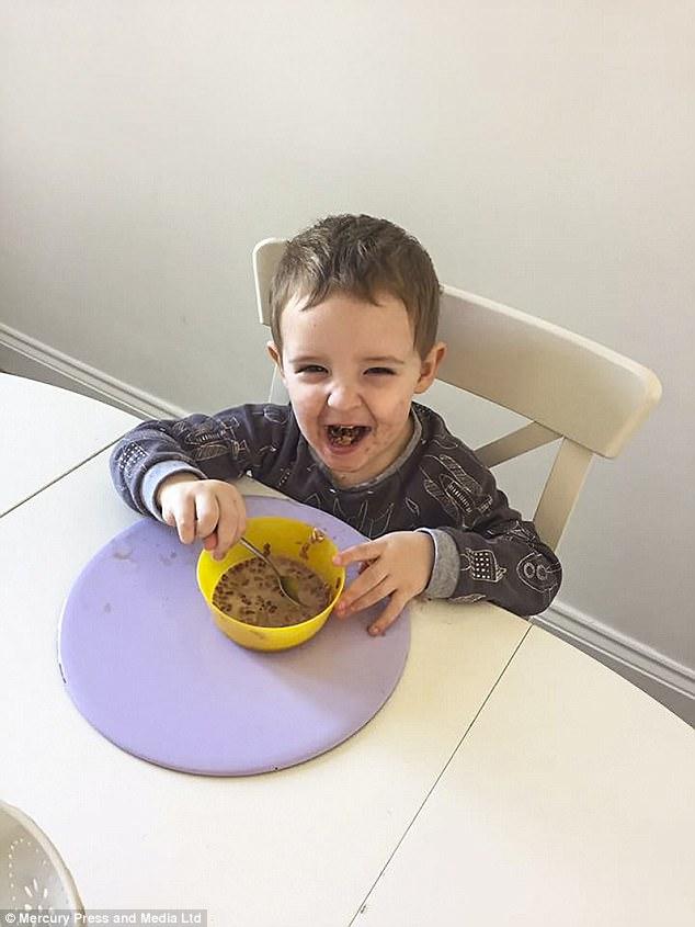 """Người mẹ trẻ định rao bán con trai 2 tuổi trên eBay bởi lý do """"dở khóc dở cười"""" - Ảnh 8."""