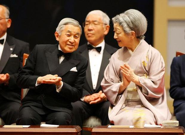 Chuyện làm dâu trong muôn trùng hà khắc của Hoàng hậu có xuất thân thường dân đầu tiên của Nhật Bản - Ảnh 17.