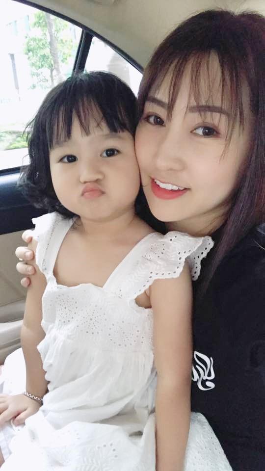Đăng Thư - cựu hot girl Sài thành 10 năm trước nay đã là mẹ 2 con sành điệu, trẻ mãi không già - Ảnh 5.