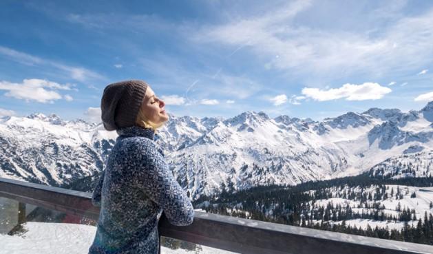 Ngất ngây với những hình ảnh tuyết rơi đẹp lung linh trên khắp thế giới - Ảnh 22.