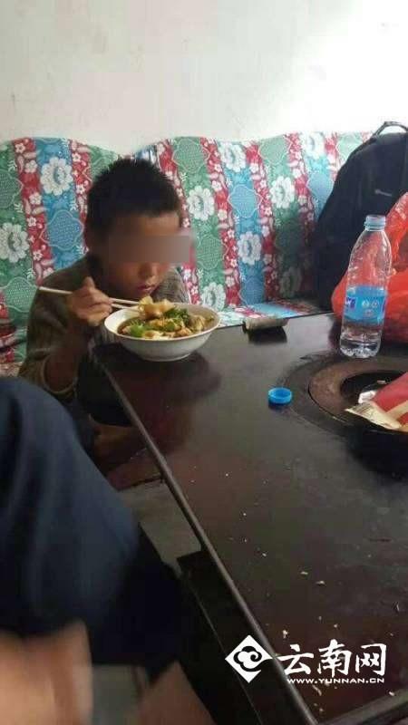 """Bị bố ruột la mắng, cậu bé 10 tuổi bỏ nhà đi và sống một cuộc sống """"không thể tin nổi"""" - Ảnh 2."""