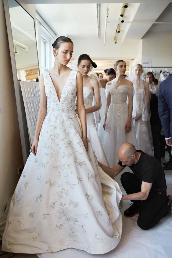Muốn gây ấn tượng trong ngày trọng đại, các cô dâu đừng bỏ qua 7 mẫu váy này - Ảnh 30.