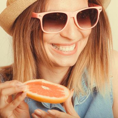 Ăn một quả cam mỗi ngày có thể làm giảm nguy cơ sa sút trí tuệ - căn bệnh đe dọa cuộc sống hiện đại - Ảnh 1.