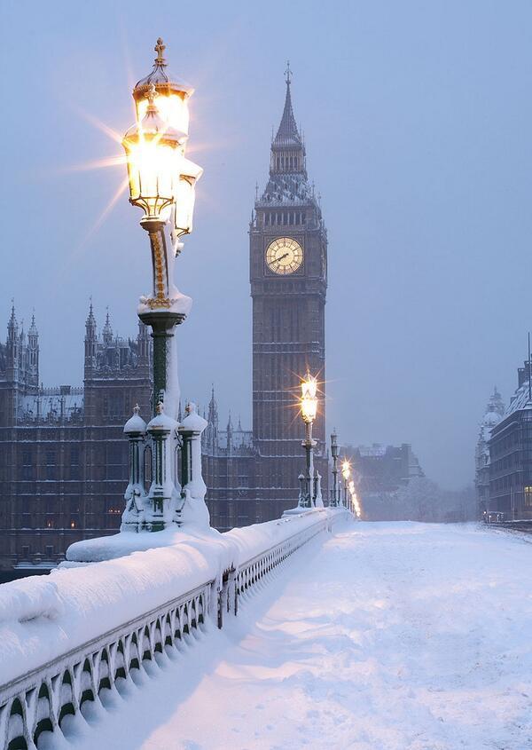 Ngất ngây với những hình ảnh tuyết rơi đẹp lung linh trên khắp thế giới - Ảnh 27.