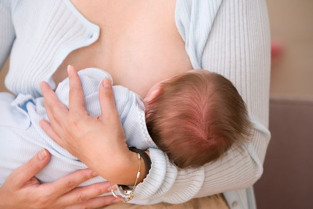 Để trẻ sơ sinh đi ngủ đúng giờ và ngủ ngoan suốt đêm, hãy làm những việc sau - Ảnh 3.