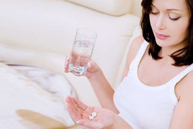 Đừng chăm chăm dùng kháng sinh mỗi khi bị cúm, thay vào đó hãy làm ngay những việc nhỏ thế này - Ảnh 5.