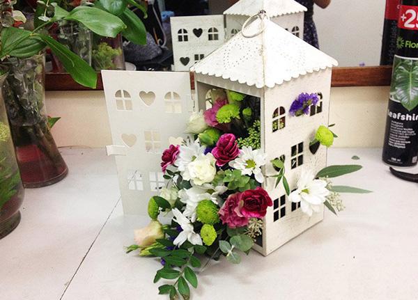 3 cách cắm hoa trang trí nhà đẹp từ những vật dụng thường ngày - Ảnh 13.