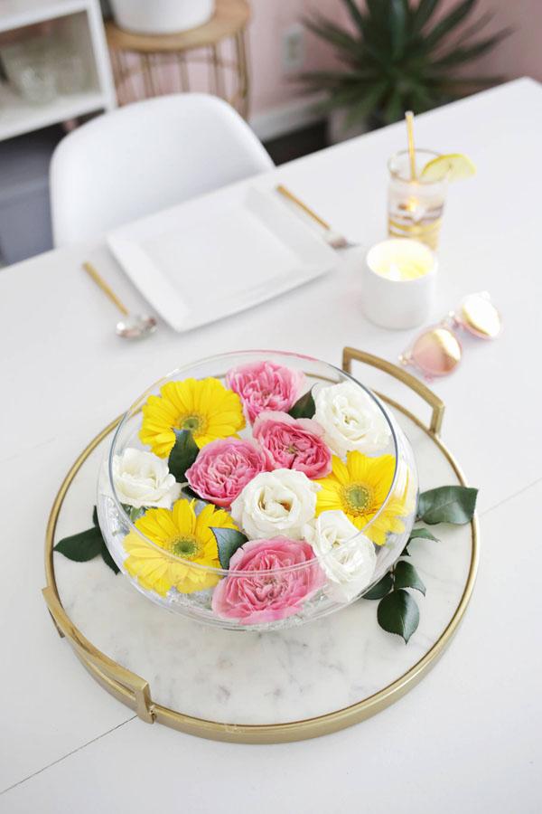 3 cách cắm hoa với sắc vàng đón hè rực nắng - Ảnh 2.