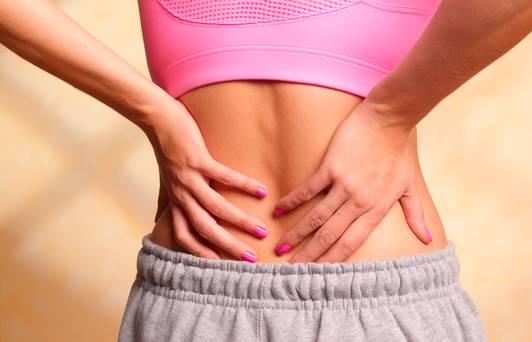 Giờ thì bạn sẽ biết tại sao tư thế bạn nằm ngủ lại khiến cho tình trạng đau lưng thêm tồi tệ - Ảnh 1.