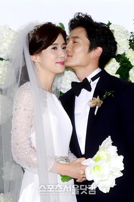 Đám cưới sao nữ hàng đầu Hàn Quốc, người rót tiền tỷ người chọn giản dị đơn sơ - Ảnh 11.