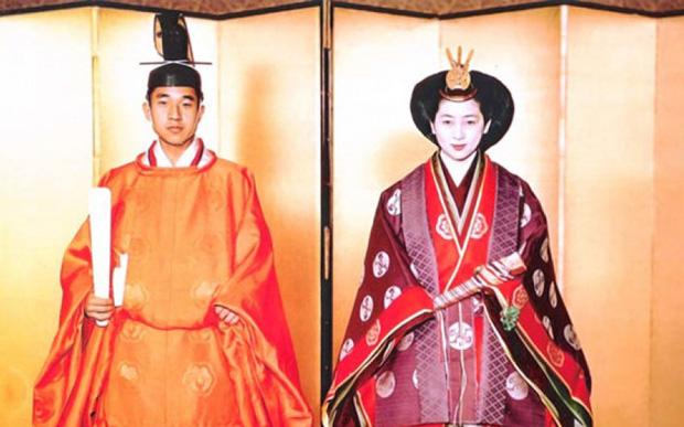 Chuyện làm dâu trong muôn trùng hà khắc của Hoàng hậu có xuất thân thường dân đầu tiên của Nhật Bản - Ảnh 5.
