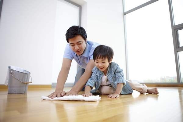 Chuyên gia tâm lý Đại học Harvard khẳng định bố mẹ dạy kiểu này con sẽ ngoan mà chẳng cần quát mắng - Ảnh 2.