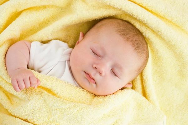 Cảnh báo những âm thanh bất thường của trẻ sơ sinh bố mẹ không nên bỏ qua - Ảnh 3.