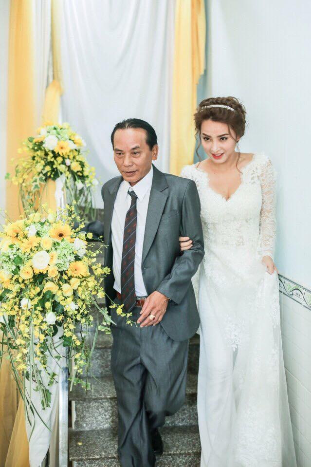 Hải Băng khoe ảnh hôn chồng trong lễ đính hôn nhân kỷ niệm 1 năm bên nhau - Ảnh 3.