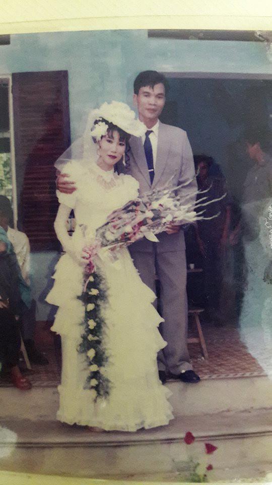 Đám cưới chất chơi thời bố mẹ anh thập niên 90: Pháo nổ râm ran, cả làng chạy theo cô dâu chú rể - Ảnh 30.
