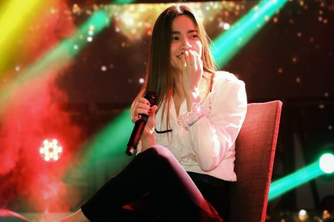 Hồ Ngọc Hà ngầm thừa nhận tình cảm với Kim Lý trong liveshow ca nhạc - Ảnh 1.