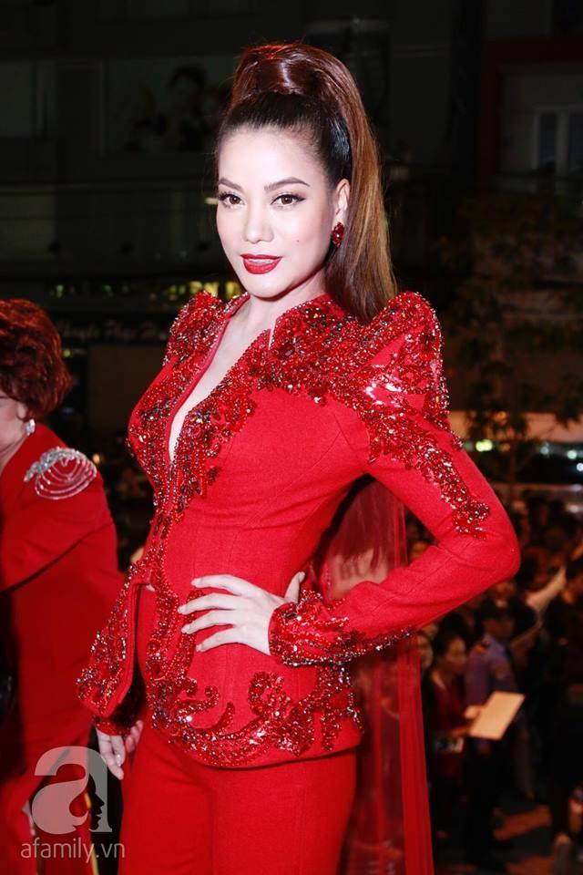 Võ Hoàng Yến mặc váy in chân dung chính mình trên thảm đỏ Next Top Model - Ảnh 6.