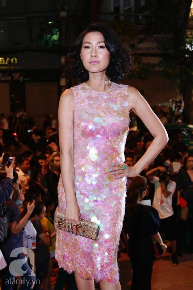 Võ Hoàng Yến mặc váy in chân dung chính mình trên thảm đỏ Next Top Model - Ảnh 13.