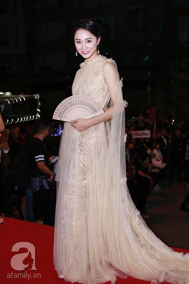 Võ Hoàng Yến mặc váy in chân dung chính mình trên thảm đỏ Next Top Model - Ảnh 19.