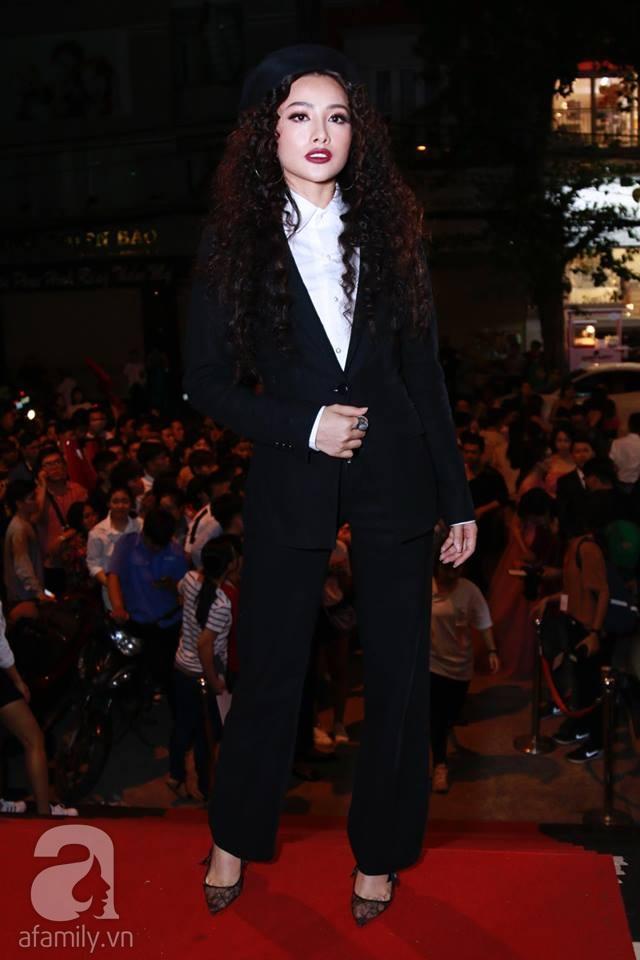 Võ Hoàng Yến mặc váy in chân dung chính mình trên thảm đỏ Next Top Model - Ảnh 21.