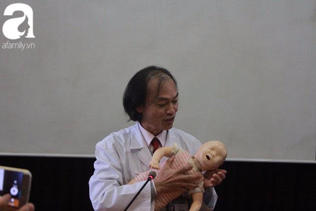 Rất nhiều sai lầm các mẹ thường mắc phải khi chăm trẻ bị sốt - Ảnh 5.