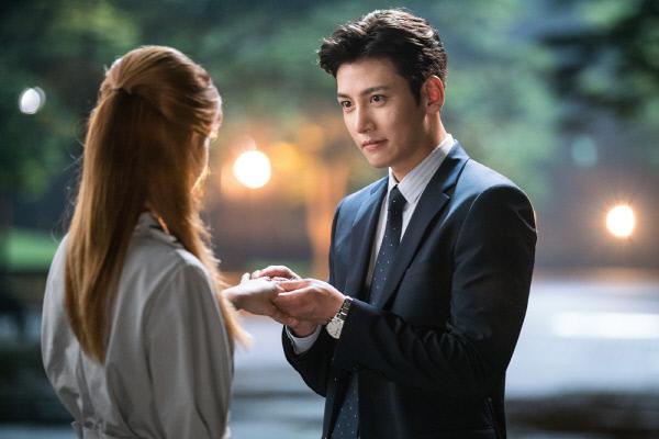 Phim của Ji Chang Wook kết thúc khiến khán giả bội thực bởi độ ngọt ngào - Ảnh 4.