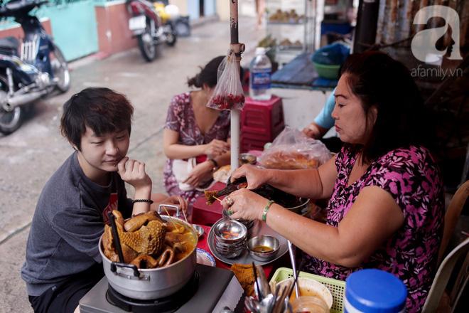 Chuyện cô Ba Sài Gòn có nụ cười giòn tan: Bán phá lấu 28 năm, nuôi 7 miệng ăn và mua nhà 3 tỷ - Ảnh 10.
