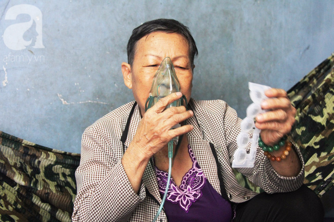Cảm thương cảnh bà lão bệnh tật, lượm ve chai nuôi cháu mồ côi - Ảnh 10.