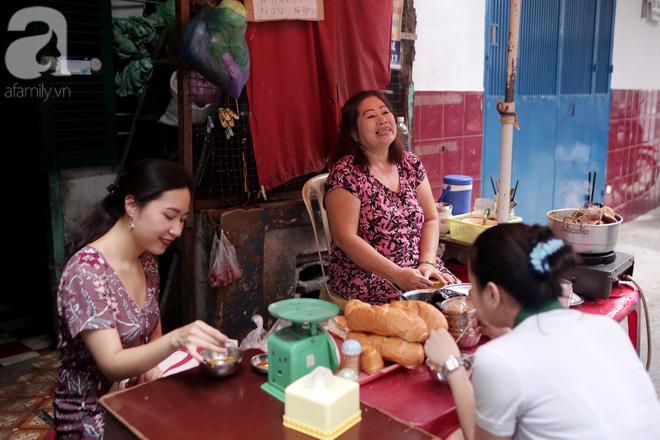 Chuyện cô Ba Sài Gòn có nụ cười giòn tan: Bán phá lấu 28 năm, nuôi 7 miệng ăn và mua nhà 3 tỷ - Ảnh 2.