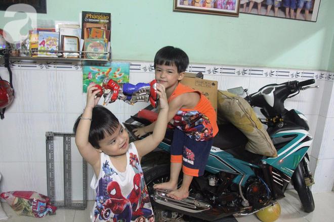 Cuộc sống tất bật, xoay như chong chóng của mẹ trẻ Sài Gòn sinh 1 lần được hẳn 5 con, nếp tẻ đủ cả - Ảnh 14.
